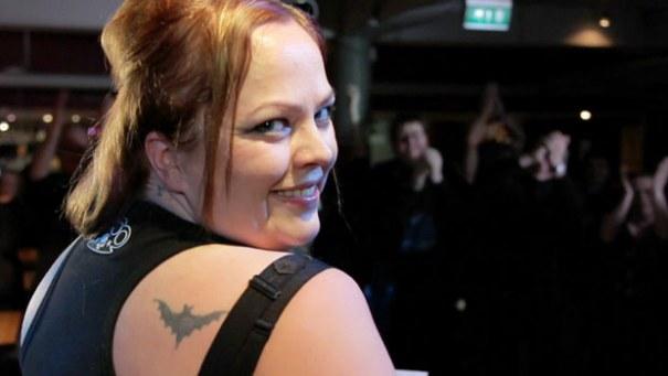 tatuoinnit aikuinen nauhat kiusaa