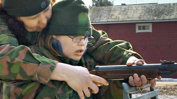 nainen armeijassa Ylojarvi